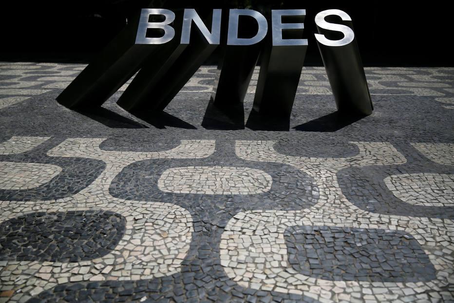 BNDES corre risco de calote de US$ 2 bi de Angola, Venezuela e Moçambique