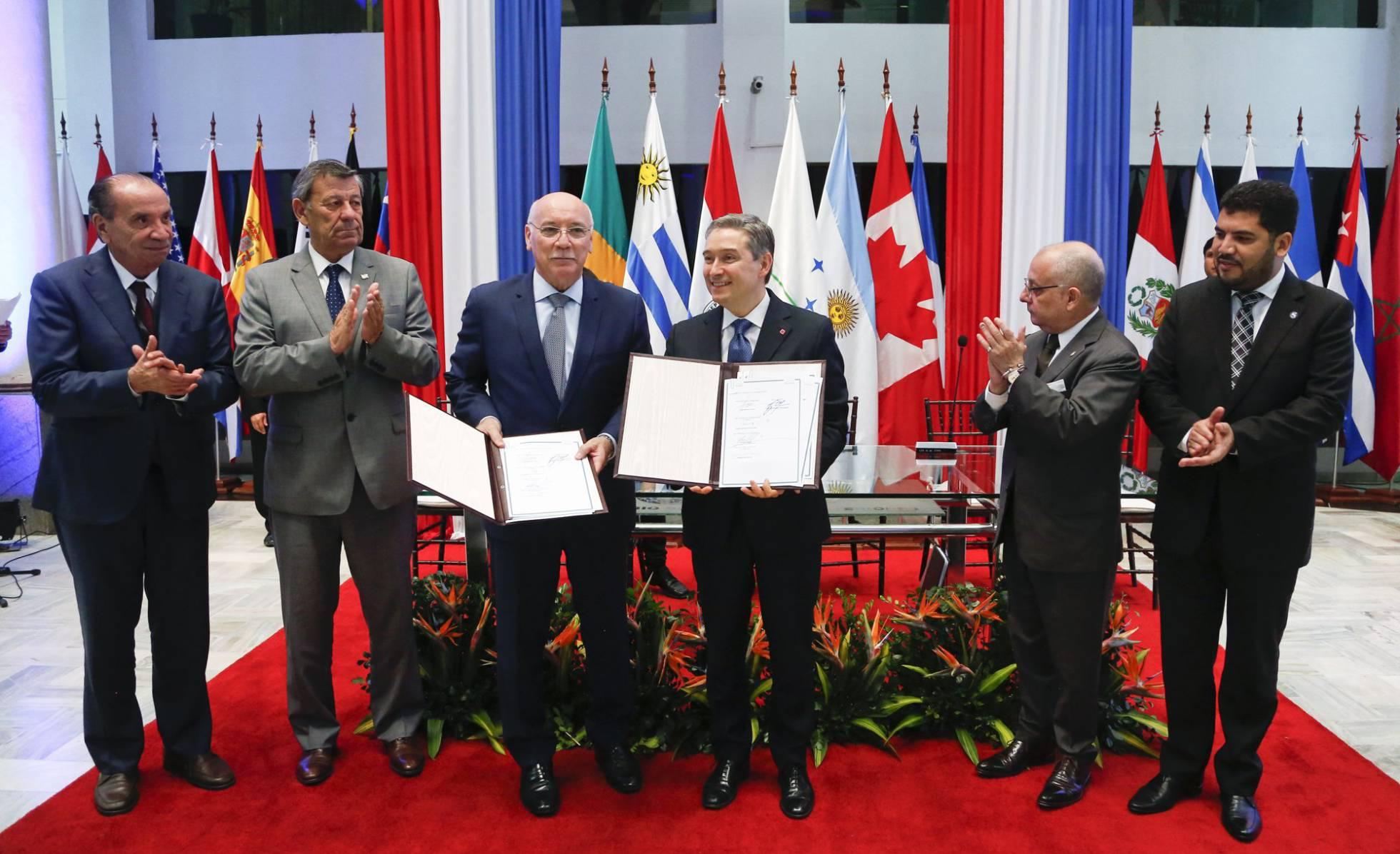 Mercosul reage a protecionismo de Trump e busca acordo comercial com o Canadá